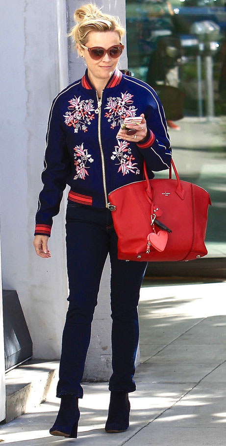 blue-navy-skinny-jeans-blue-navy-jacket-bomber-red-bag-sun-blue-shoe-booties-reesewitherspoon-howtowear-style-fall-winter-blonde-weekend.jpg