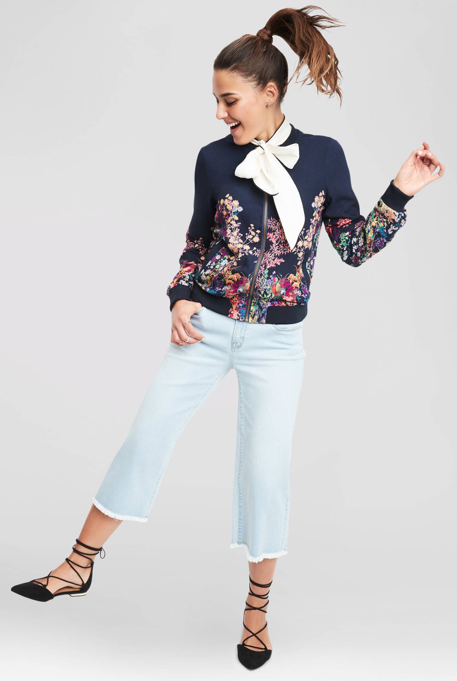 blue-light-crop-jeans-white-top-blouse-bow-black-shoe-flats-pony-floral-print-blue-navy-jacket-bomber-howtowear-fashion-style-outfit-spring-summer-brun-lunch.jpg