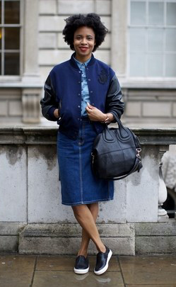 blue-navy-pencil-skirt-blue-light-collared-shirt-blue-navy-jacket-bomber-fashion-style-outfit-fall-winter-denim-jean-chambray-black-shoe-sneakers-black-bag-street-brun-weekend.jpg
