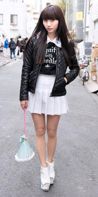 white-mini-skirt-black-tee-wear-style-fashion-spring-summer-white-shoe-booties-black-jacket-bomber-graphic-tokyo-japan-brun-lunch.jpg