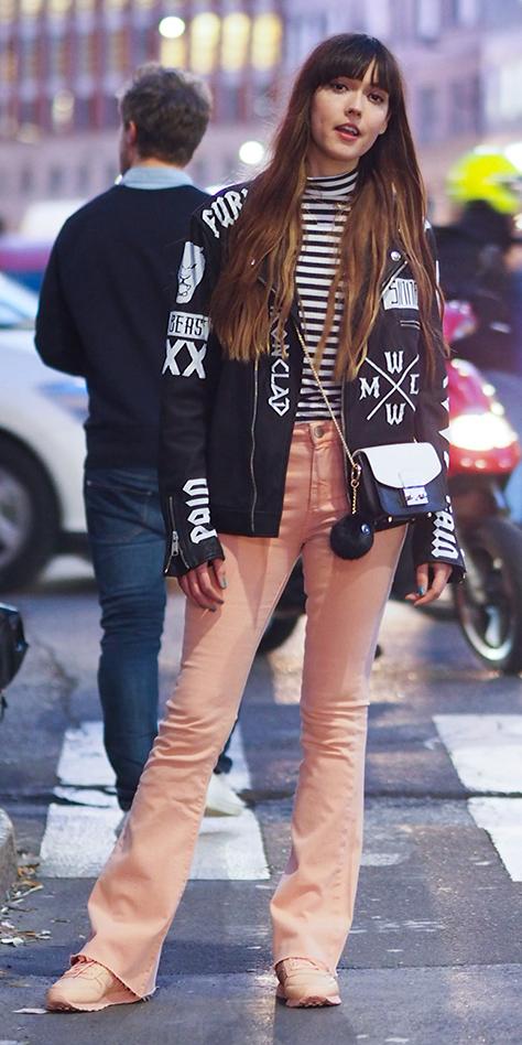 o-peach-flare-jeans-black-tee-stripe-turtleneck-black-jacket-bomber-peach-shoe-sneakers-black-bag-milan-fashion-week-howtowear-fashion-style-outfit-fall-winter-hairr-dinner.jpg