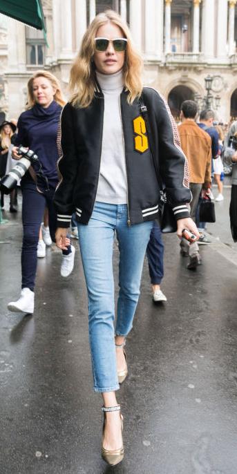 blue-light-skinny-jeans-grayl-sweater-turtleneck-tan-shoe-pumps-black-jacket-bomber-sun-blonde-wear-fashion-style-fall-winter-model-blonde-lunch.jpg