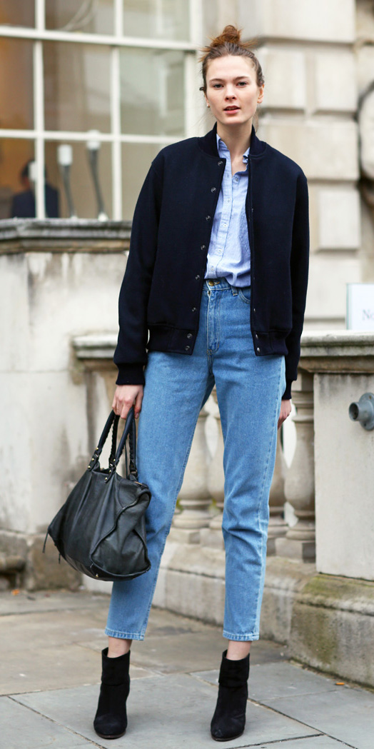 blue-med-skinny-jeans-blue-light-collared-shirt-chambray-wear-outfit-fashion-fall-winter-black-shoe-booties-black-jacket-bomber-bun-black-bag-hairr-hairr-lunch.jpg