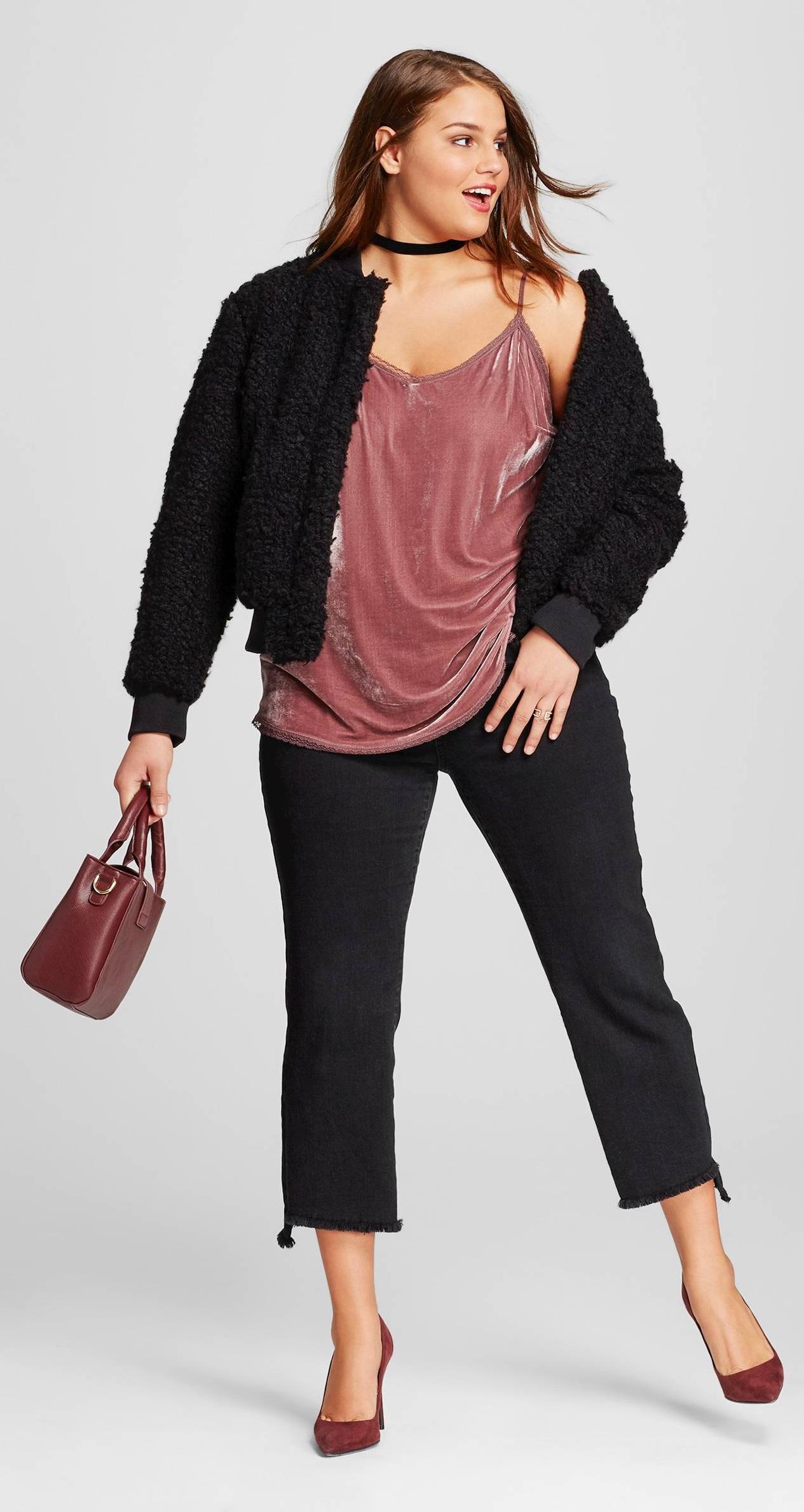 black-crop-jeans-choker-burgundy-bag-burgundy-shoe-pumps-black-jacket-bomber-fur-fuzz-pink-light-cami-fall-winter-hairr-lunch.jpg