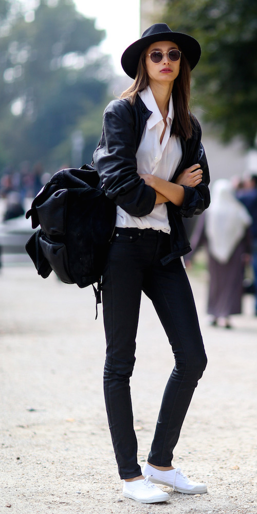 black-skinny-jeans-white-collared-shirt-black-jacket-bomber-black-bag-hat-sun-wear-outfit-fashion-fall-winter-white-shoe-sneakers-brun-weekend.jpg