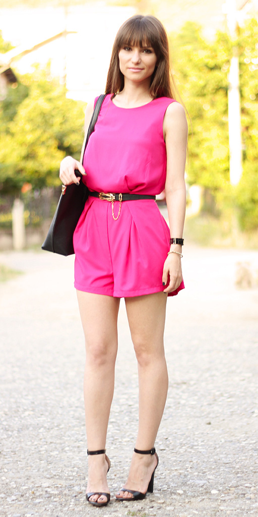 pink-magenta-jumper-romper-belt-hairr-black-shoe-sandalh-black-bag-spring-summer-dinner.jpg