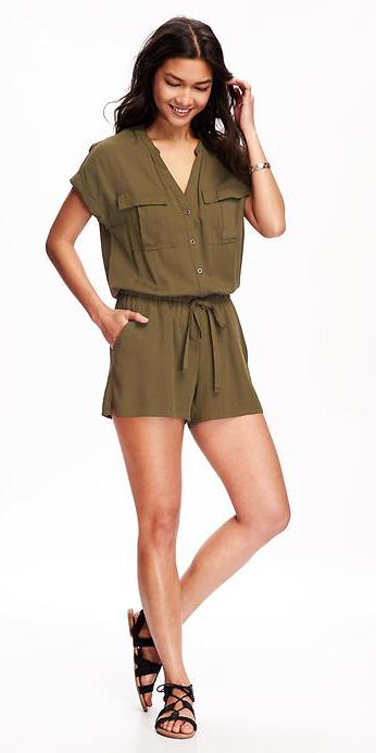 green-olive-jumper-romper-black-shoe-sandals-brun-spring-summer-wear-fashion-style-weekend.jpg