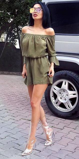 green-olive-jumper-romper-clear-shoe-boots-sun-brun-spring-summer-lunch.jpg