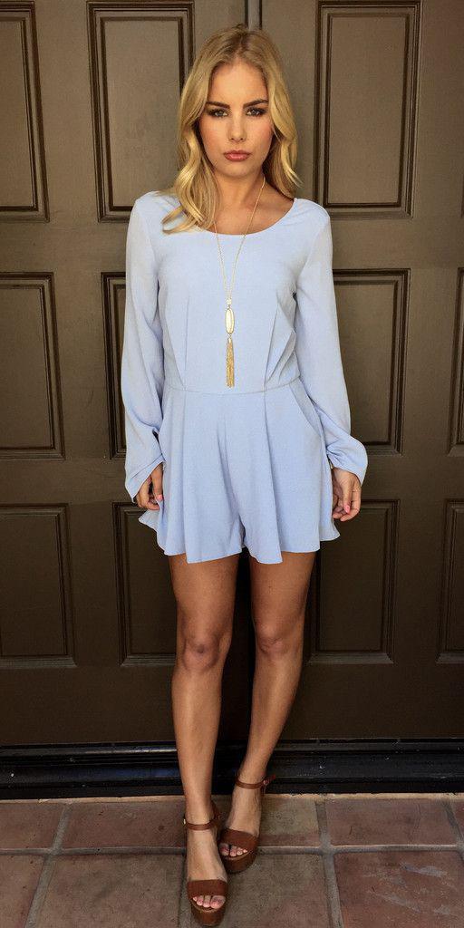 blue-light-jumper-romper-cognac-shoe-sandalw-necklace-pend-blonde-spring-summer-lunch.jpg