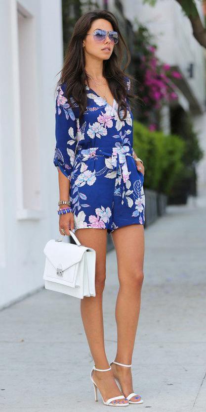 blue-navy-jumper-romper-floral-print-brun-sun-white-shoe-sandalh-white-bag-spring-summer-dinner.jpg