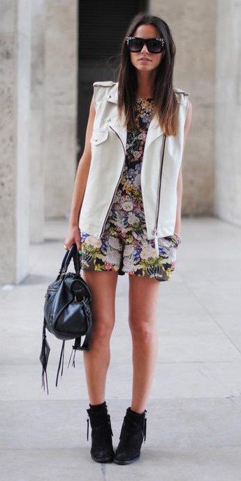 white-jumper-romper-floral-print-white-vest-moto-brun-sun-black-bag-black-shoe-booties-fall-winter-weekend.jpeg