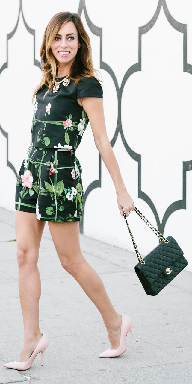 black-jumper-romper-print-black-bag-pink-shoe-pumps-bib-necklace-hairr-spring-summer-lunch.jpg