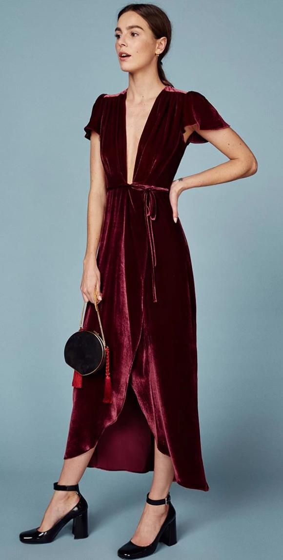 how-to-style-burgundy-dress-wrap-midi-velvet-hairr-pony-black-shoe-pumps-black-bag-fall-winter-fashion-holiday-dinner.jpg