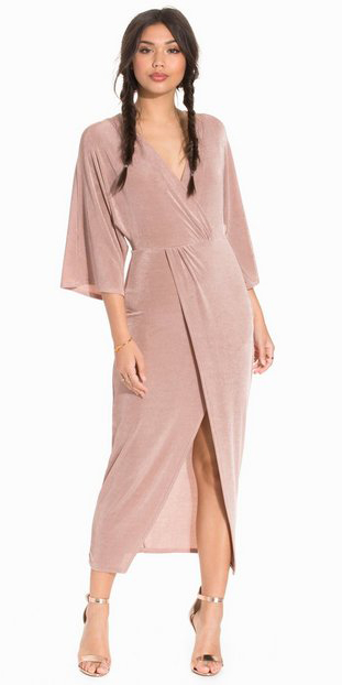 pink-light-dress-wrap-midi-hairr-brun-tan-shoe-sandalh-gold-braid-spring-summer-dinner.jpg