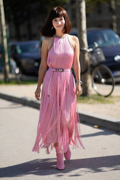 pink-light-dress-midi-belt-brun-mono-pink-shoe-booties-spring-summer-dinner.jpg