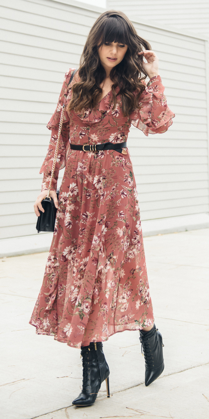 pink-light-dress-peasant-midi-floral-print-belt-hairr-black-shoe-booties-black-bag-howtowear-fashion-fall-winter-lunch.jpg