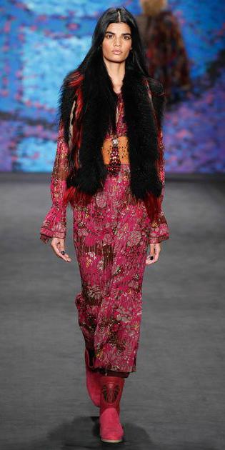 pink-magenta-dress-peasant-black-vest-fur-brun-print-midi-magenta-shoe-booties-fall-winter-lunch.jpg