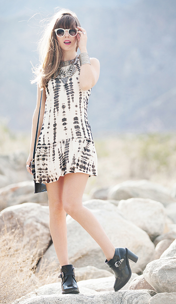 white-dress-black-bag-black-shoe-booties-sun-print-tiedye-bib-necklace-bracelet-mini-style-tank-spring-summer-hairr-lunch.jpg