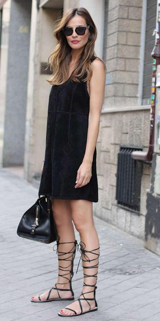 black-dress-tank-black-bag-black-shoe-sandals-gladiators-hairr-sun-spring-summer-weekend.jpg