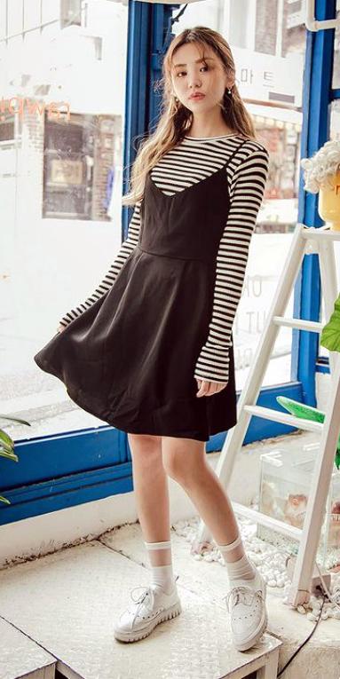 black-dress-tank-black-tee-stripe-hairr-socks-white-shoe-brogues-spring-summer-weekend.jpg