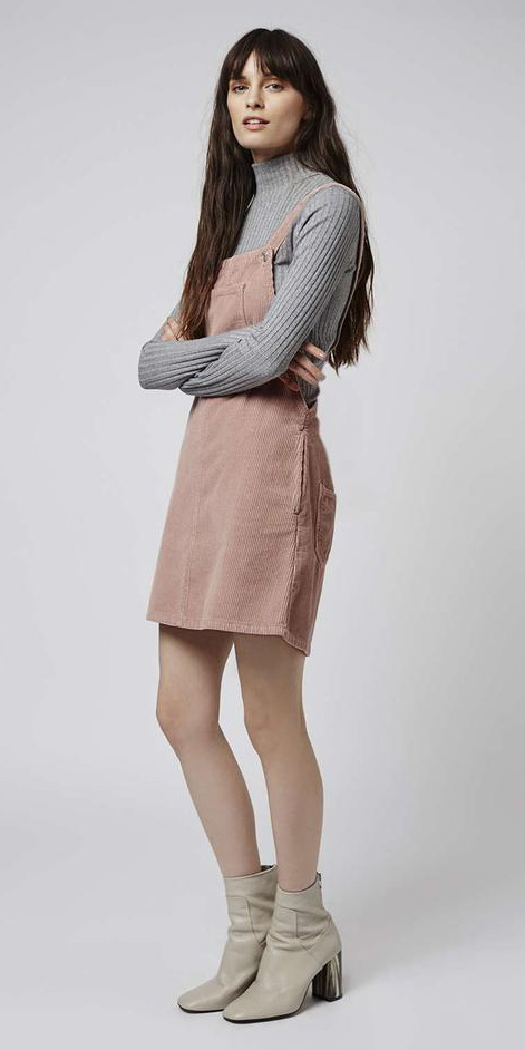 pink-light-dress-jumper-grayl-sweater-turtleneck-hairr-white-shoe-booties-fall-winter-weekend.jpg