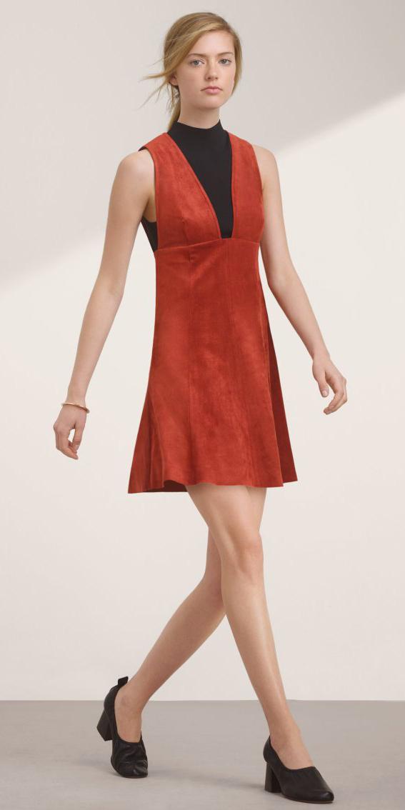 orange-dress-jumper-black-sweater-sleeveless-black-shoe-pumps-blonde-pony-spring-summer-lunch.jpg