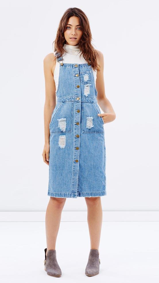 blue-light-dress-white-top-sleeveless-turtleneck-tan-shoe-booties-jumper-wear-style-fashion-spring-summer-overall-jean-trend-hairr-lunch.jpg