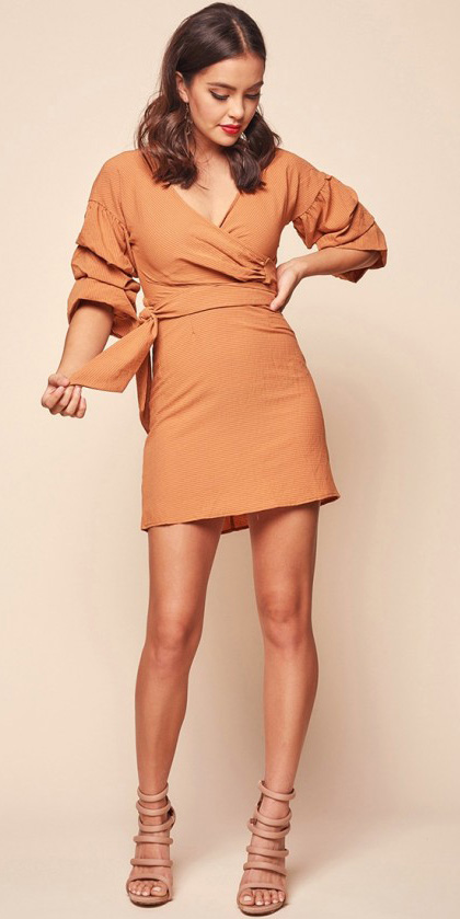 camel-dress-wrap-mini-hairr-tan-shoe-sandalh-tonal-spring-summer-dinner.jpg
