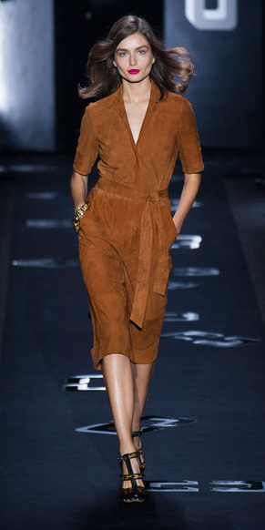 camel-dress-wrap-hairr-black-shoe-pumps-fall-winter-dinner.jpg