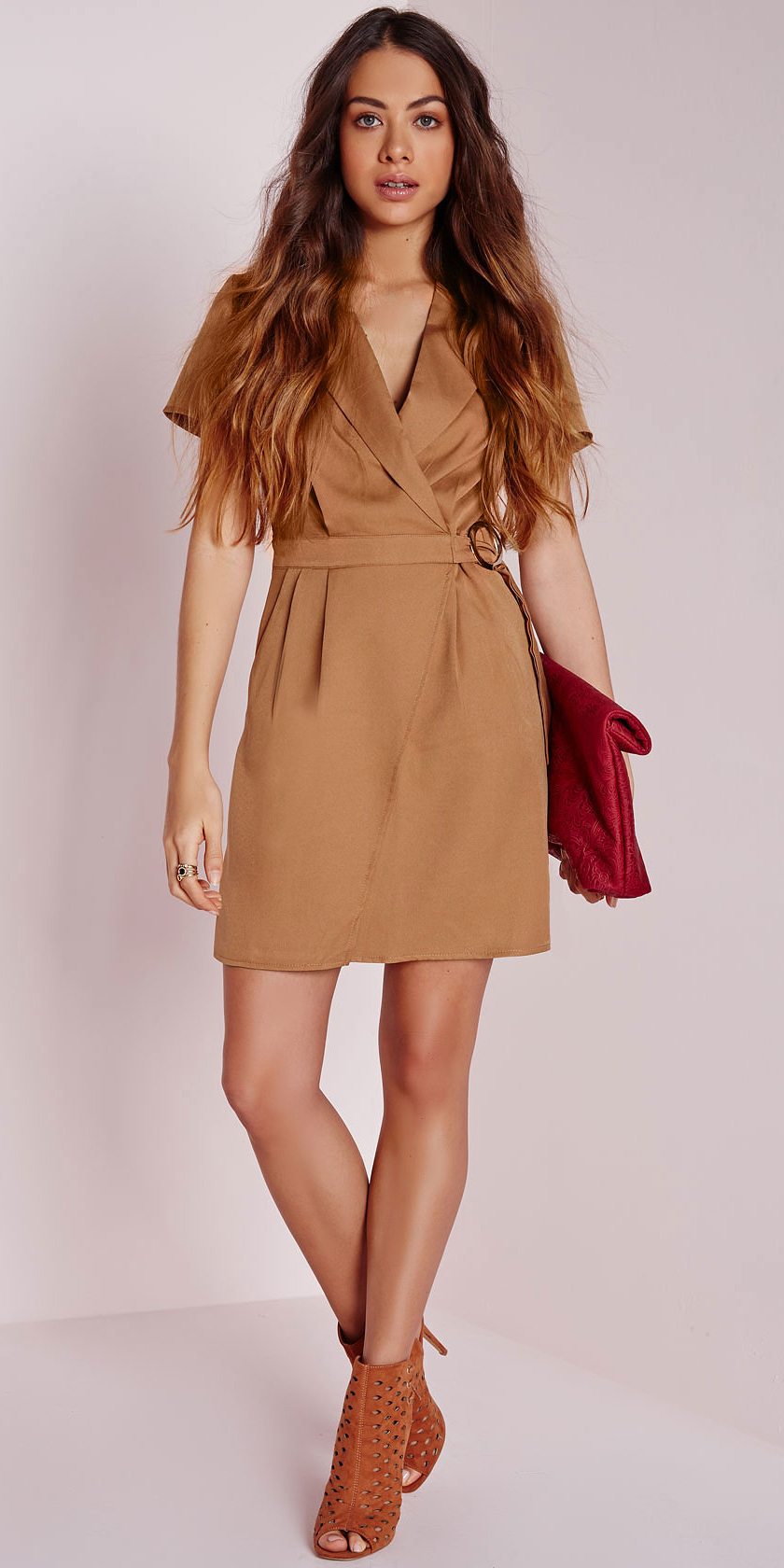 camel-dress-wrap-mini-cognac-shoe-booties-red-bag-clutch-hairr-spring-summer-dinner.jpeg