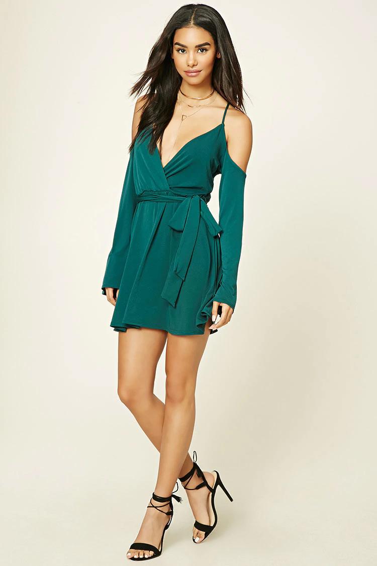 green-emerald-dress-a-black-shoe-sandalh-necklace-wrap-wear-mini-spring-summer-offshoulder-brunette-dinner.jpg