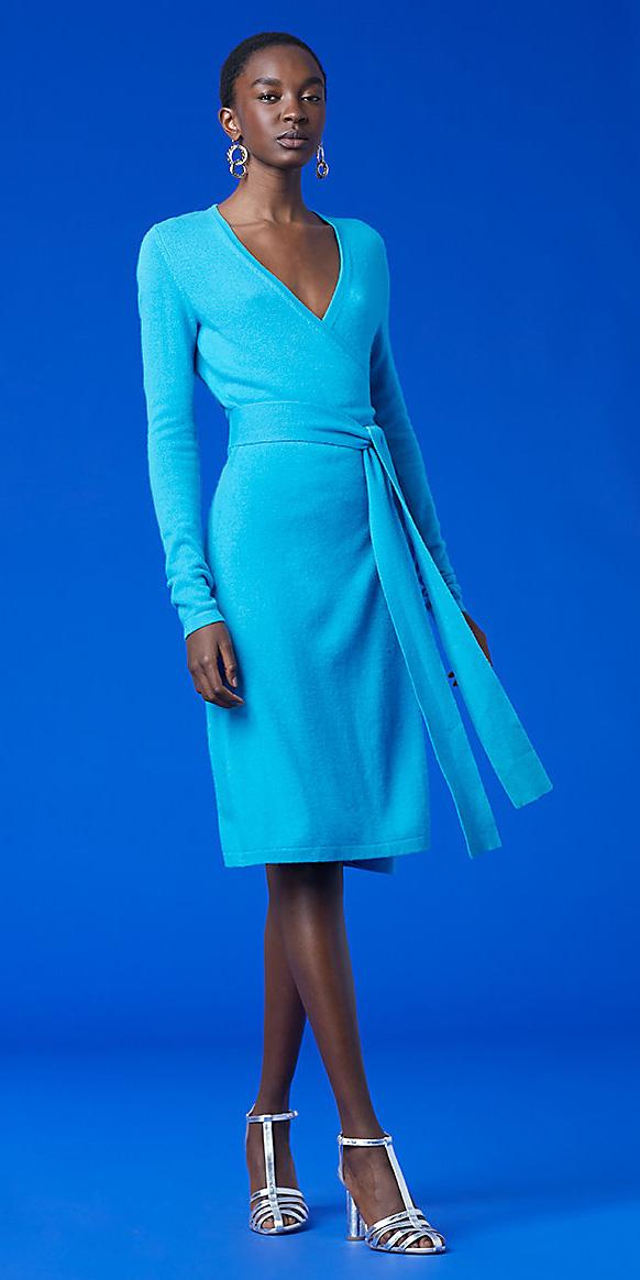 blue-light-dress-wrap-gray-shoe-sandalh-earrings-brun-spring-summer-dinner.jpg