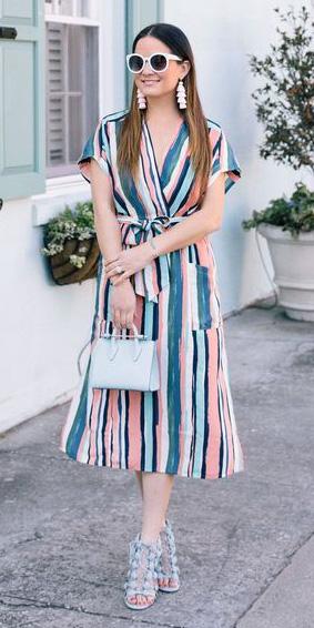blue-med-dress-wrap-vertical-stripe-blue-bag-blue-shoe-sandalh-white-earrings-sun-hairr-spring-summer-lunch.jpg