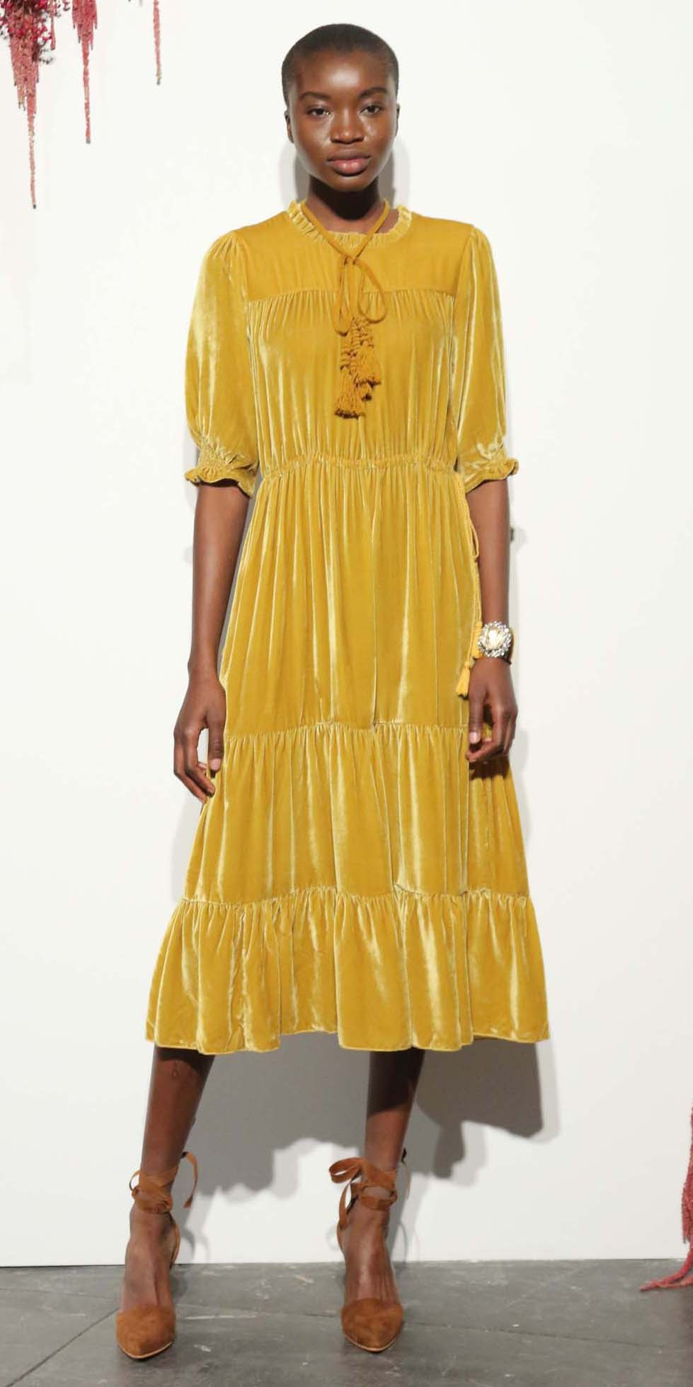 yellow-dress-peasant-midi-velvet-brun-cognac-shoe-pumps-howtowear-fashion-fall-winter-dinner.jpg