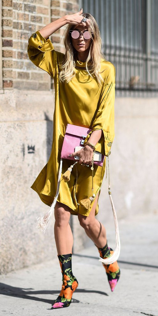 how-to-style-yellow-dress-peasant-silk-blonde-sun-pink-bag-orange-shoe-booties-floral-print-fall-winter-fashion-lunch.jpg
