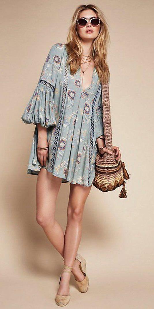 blue-light-dress-peasant-print-mini-tan-bag-tan-shoe-sandalw-sun-blonde-spring-summer-weekend.jpg
