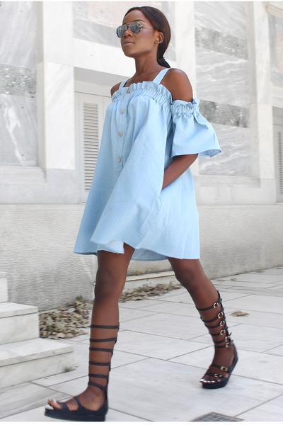 blue-light-dress-peasant-brun-pony-sun-offshoulder-black-shoe-sandals-gladiators-spring-summer-lunch.jpg