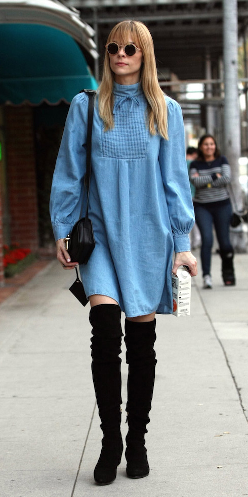 jaimeking-blue-light-dress-peasant-blonde-sun-black-bag-black-shoe-boots-otk-fall-winter-lunch.jpg