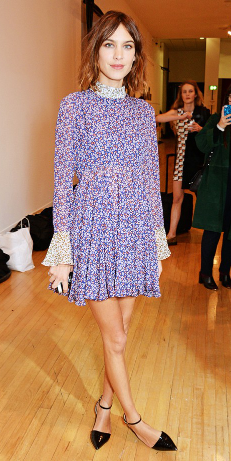 blue-med-dress-peasant-floral-print-alexachung-black-shoe-flats-hairr-fall-winter-dinner.jpg