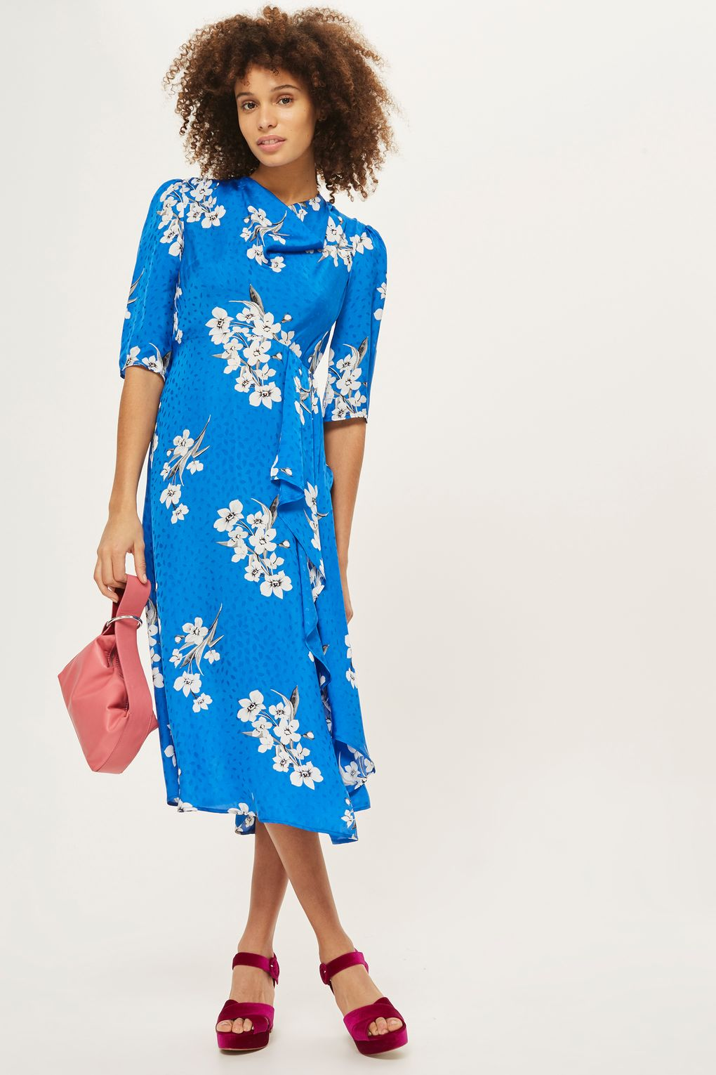 blue-med-dress-floral-print-peasant-midi-pink-bag-red-shoe-sandalh-brun-spring-summer-dinner.jpg