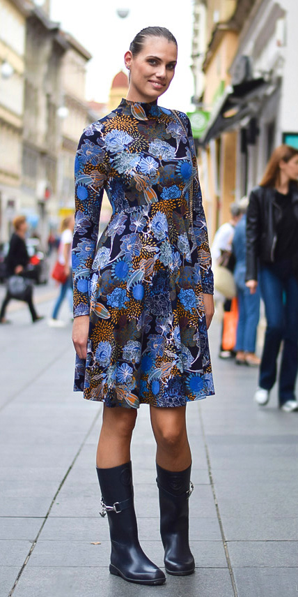blue-med-dress-peasant-aline-print-bun-hairr-black-shoe-boots-fall-winter-lunch.jpg