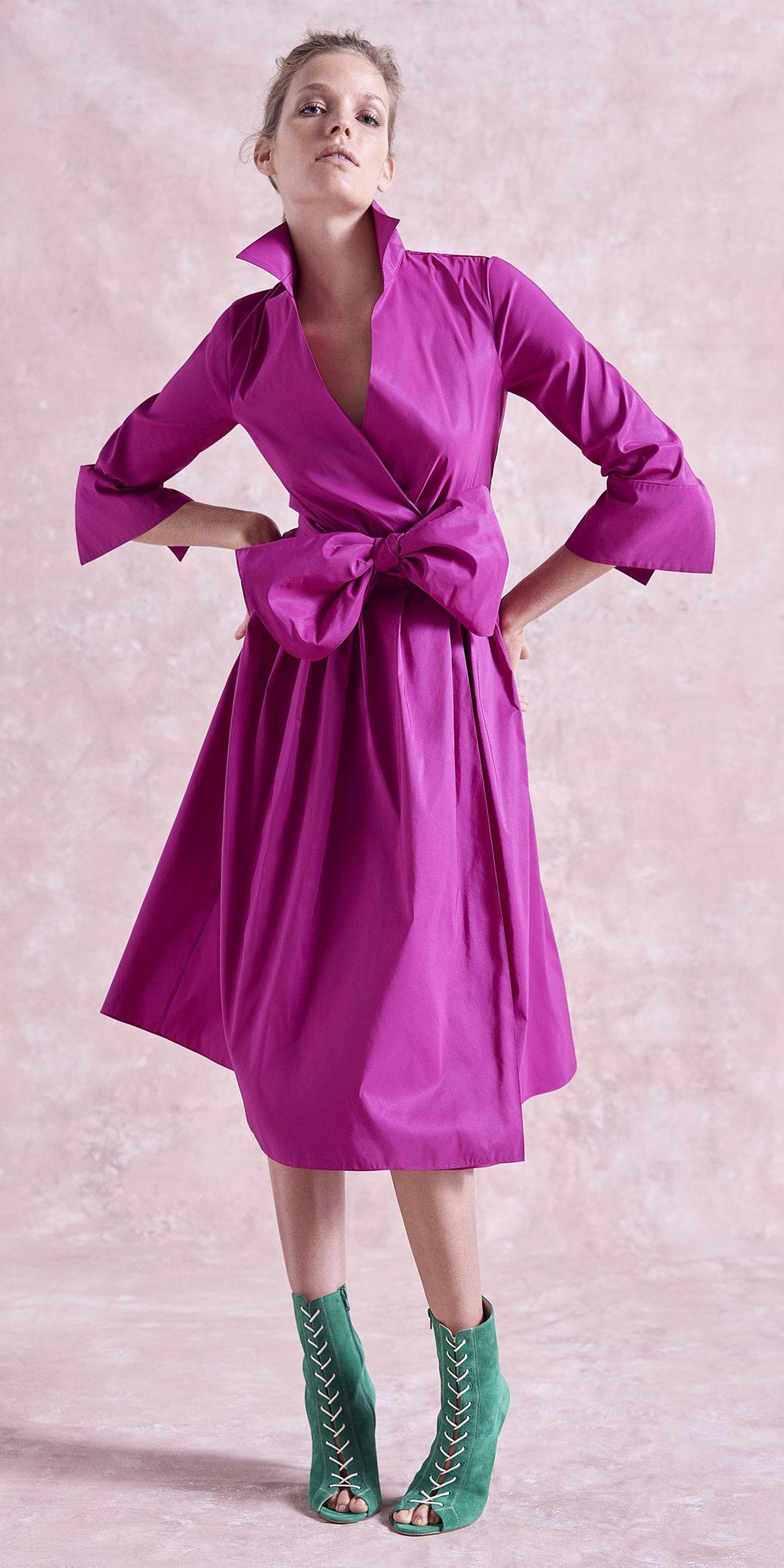 pink-magenta-dress-shirt-blonde-bun-green-shoe-booties-fall-winter-dinner.jpg