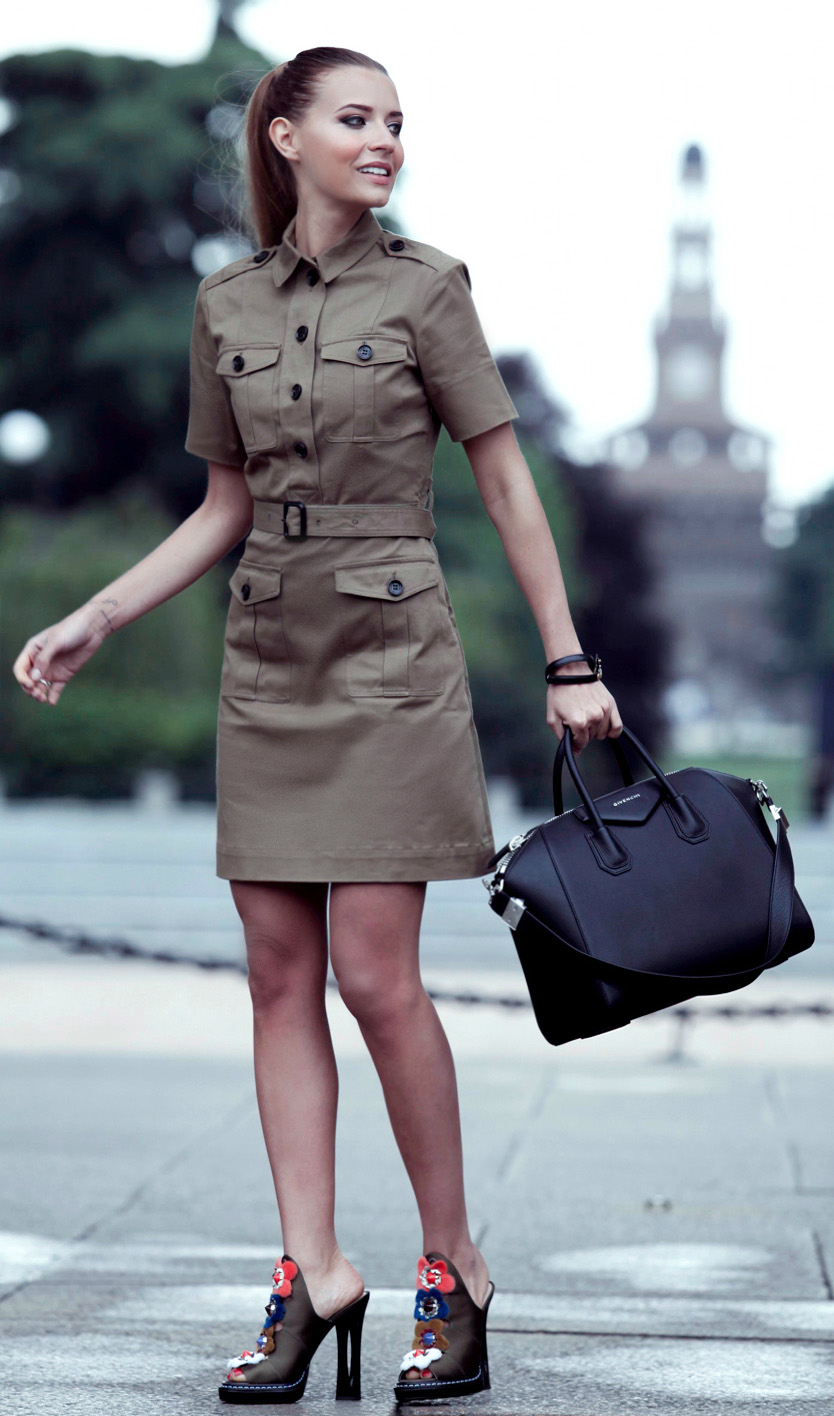 tan-dress-shirt-black-shoe-sandalh-mules-pony-black-bag-safari-spring-summer-hairr-lunch.jpg