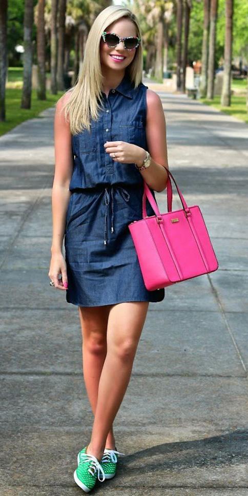 blue-navy-dress-shirt-denim-chambray-mini-pink-bag-green-shoe-sneakers-sun-blonde-spring-summer-lunch.jpg
