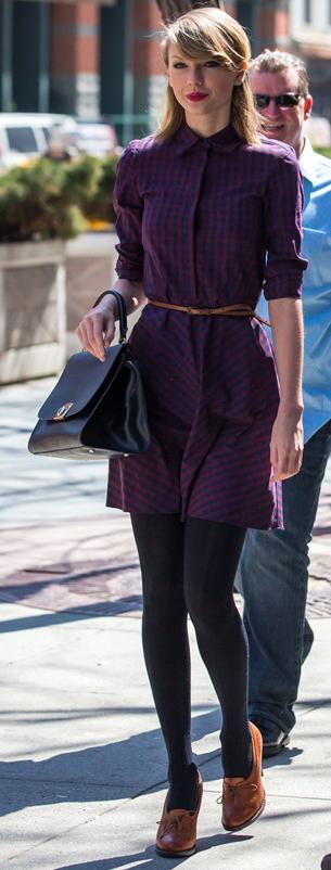 purple-royal-dress-cognac-shoe-booties-skinny-belt-black-bag-shirt-wear-style-fashion-fall-winter-taylorswift-new-york-street-celebrity-blonde-work.jpg
