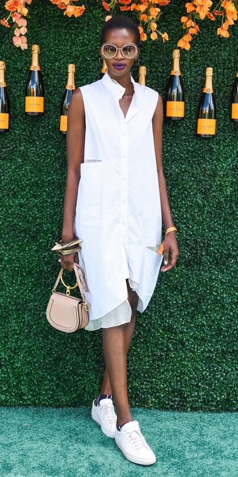 how-to-style-white-dress-shirt-tan-bag-white-shoe-sneakers-bracelet-brun-bun-sun-spring-summer-fashion-work.jpg