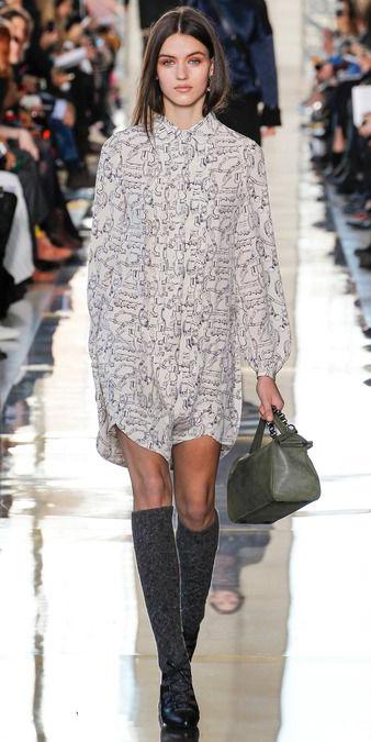 white-dress-zprint-grap-socks-black-shoe-pumps-green-bag-pony-shirt-wear-style-fashion-fall-winter-socks-runway-brunette-lunch.jpg