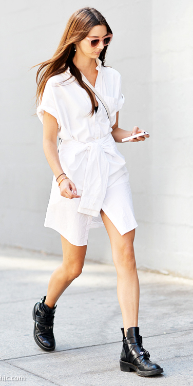 white-dress-shirt-sun-hairr-black-shoe-booties-spring-summer-weekend.jpg