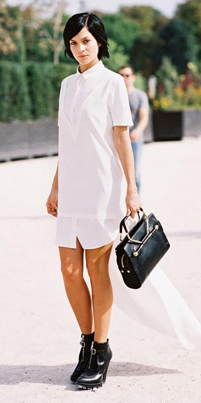 white-dress-a-black-shoe-booties-black-bag-hand-shirt-wear-style-fashion-spring-summer-night-evening-edgy-brunette-dinner.jpg