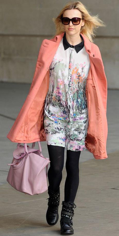 white-dress-shirt-print-peach-jacket-coat-pink-bag-black-tights-sun-black-shoe-booties-fearnecotton-fall-winter-blonde-work.jpg